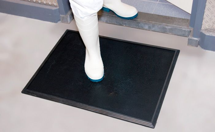 New range of decontamination carpets designed to avoid contamination due to the passage of operators from dirty to clean areas.