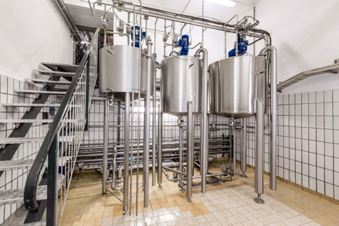 In the beer filtration process, VEGABAR ensures exact quantities in the kieselguhr dosing containers.